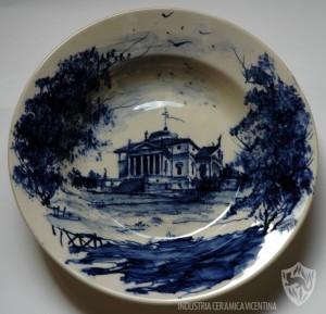Otello De Maria: Ville e costruzioni storiche venete, su servizi piatti in ceramica.